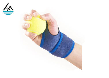 China Bule Weightlifting Wrist Wrap Wrist Bandage  With Hand Grips Pads factory